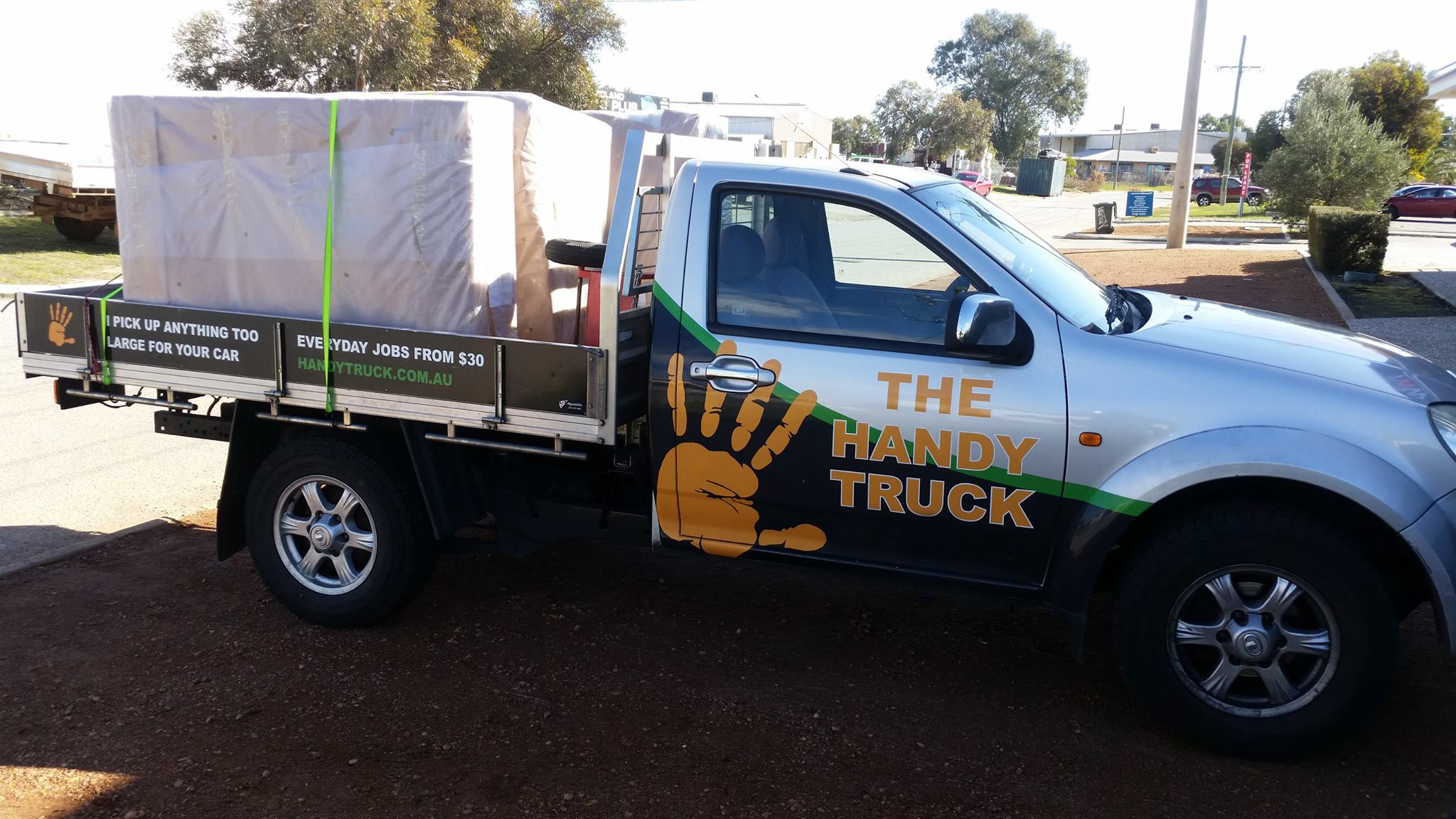Today we picked up this large box and moved it from Osbourne Park to Cockburn. The Handy Truck is perfect for anything too large to fit in your car.